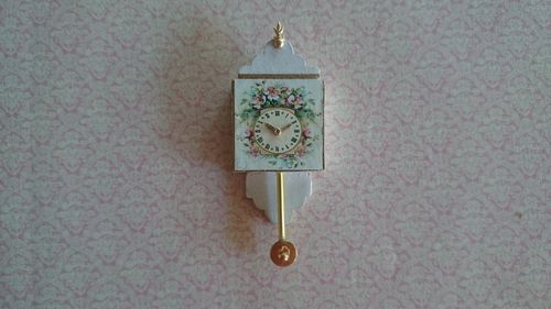 TKB11-Wall clock with pendulum