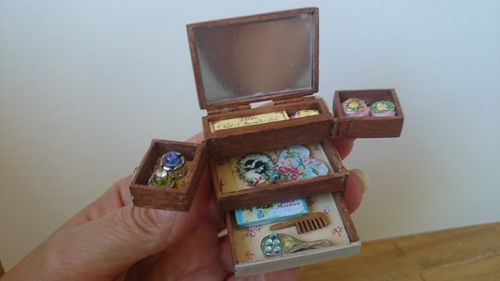 2555-Wooden box with soaps
