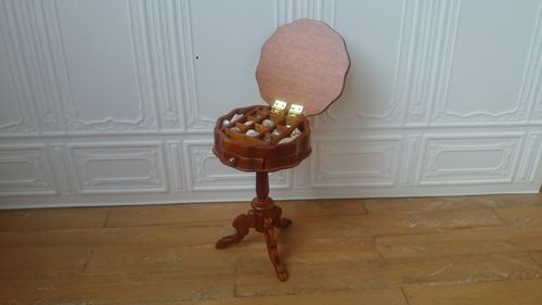 366270-Side Table