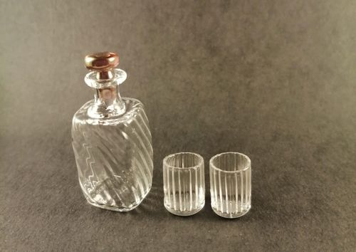 RG61-Decanter and 2 crystal glasses