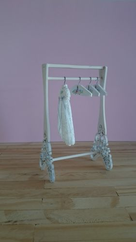0050-Original furniture for hanging clothes