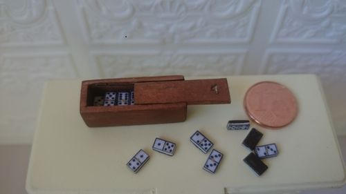 1087-Domino set, 1:12 scale,